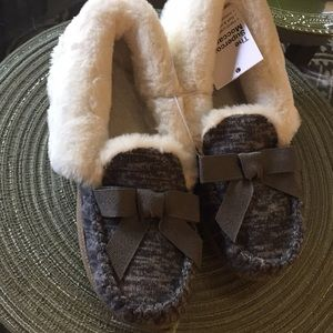Small Gray Moccasin Slippers FauxFur & 2-Tone Knit